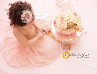 London and Kent Pregnancy, Newborn, Children, Family and Wedding Photographer